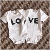 En amour total sur les commandes pour les #jumeaux !  Il y a des mamans de #twins par ici ? __ Duo dans les sélection pour jumeaux disponible sur le shop ! . . #heymamagang #twins #jumeaux #mumoftwins #mamandejumeaux #mumoftwo #mamandedeux #cadeaujumeaux #shootingjumeaux #grossesse #maman2020 #maman2021 #cadeaunoel #ideecadeaujumeaux #noel2020