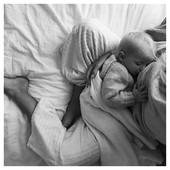Vendredi 🤍  . . #heymamagang #friday #holidays #christmas #noel #allaitement #breastfeeding #inspiration #mumandbaby #mother #maternite #grossesse #maman