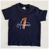 Le petit tee shirt anniversaire est maintenant disponible en noir 🤍 j'adore !  . . #heymamagang #teeshirt #anniversaire #teeshirtpersonnalise #cadeauenfant #cadeaupersonnalise #vetementenfant #vetementanniversaire #tenueanniversaire #souvenir